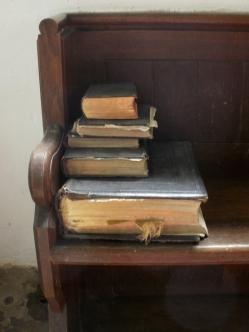 bibles (photo) © Mari French 2011