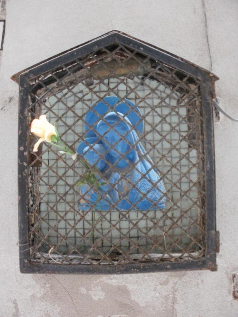 Madonna street shrine, Venice