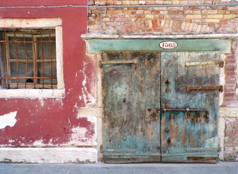 Weathered door, Cannareggio. © Mari French 2016