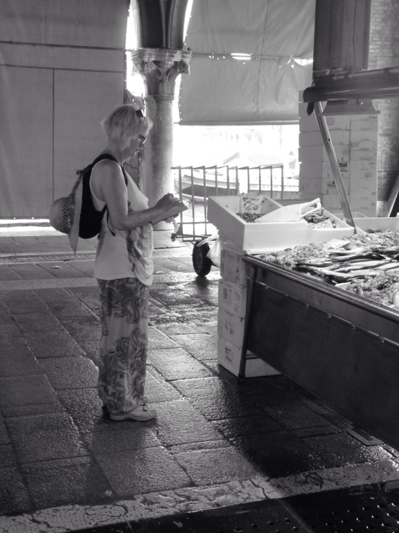 Sketching in the Rialto fish market. © Mari French 2016