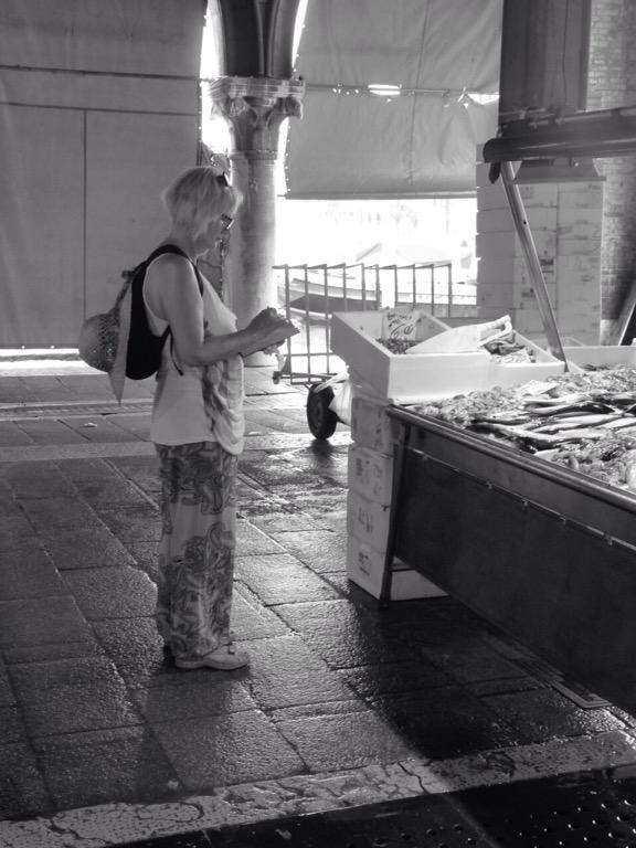 Sketching in the Rialto fish market. © Mari French 2016